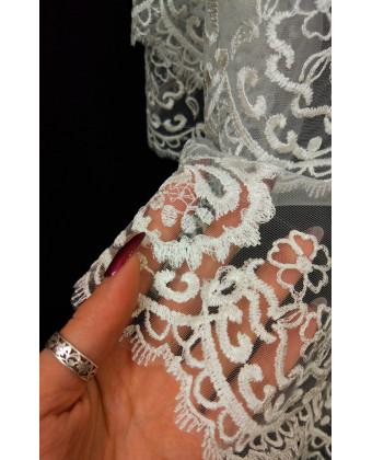 Фата с красивой вышивкой