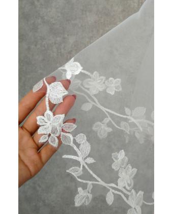 Фата с плотной вышивкой с цветами
