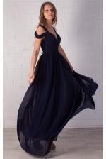 Длинное платье с разрезом