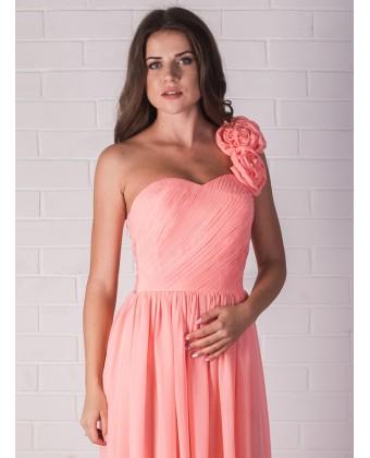 Персиковое платье с цветочной бретелью