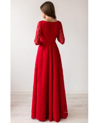 Длинное красное вечернее платье