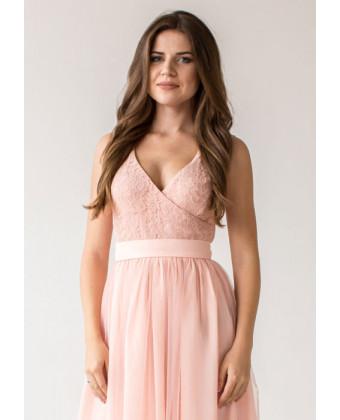 Нежно розовое вечернее платье