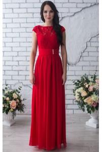 Вечернее платье красного цвета