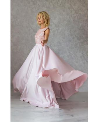 Атласное вечернее платье пудра