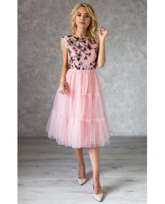 Коктейльное платье с бантиками по спинке