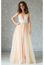 Необычное свадебное платье на нюдовой подкладе