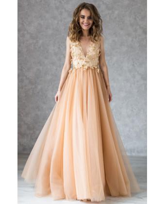 Вечернее золотое платье с открытой спиной