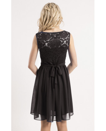 Черное коктейльное платье с кружевом