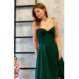 Изумрудное платье с чашечками на бретелях