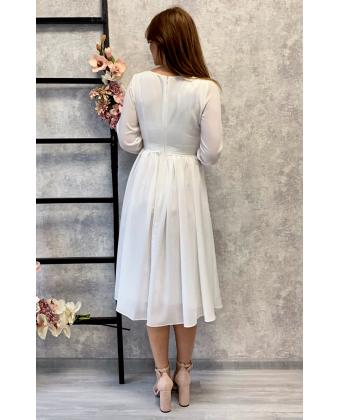 Коктейльное платье с длинным рукавом белое