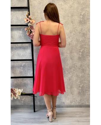 Малиновое платье с чашечками на бретелях