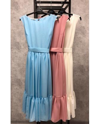 Пудровое платье миди с пуговками по спинке