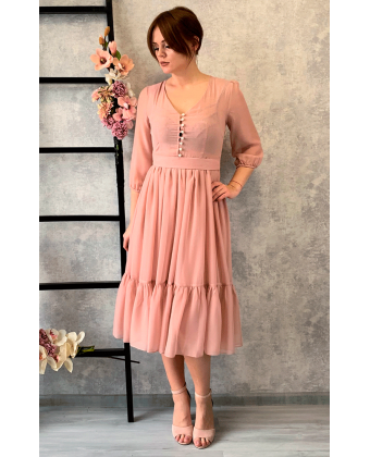 Пудровое платье миди с пуговками