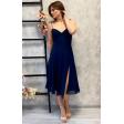 Синее платье с чашечками на бретелях