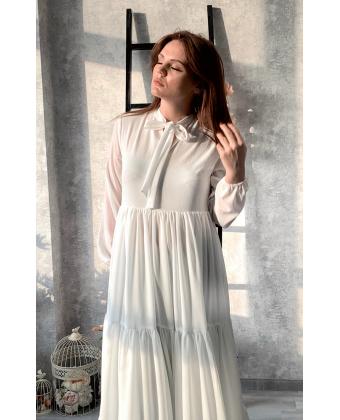 Стильное белое платье в пол