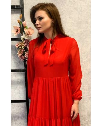Стильное красное платье в пол