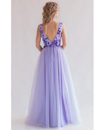Цветочное лавандовое платье