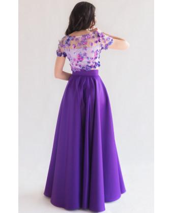 Цветочный топ и атласная юбка