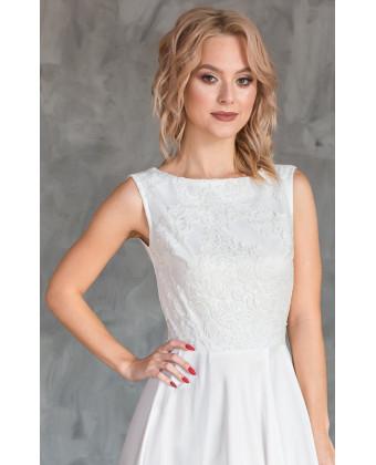 Элегантное свадебное платье с вышивкой