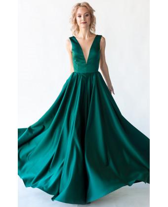 Изумрудное вечернее платье с открытой спиной
