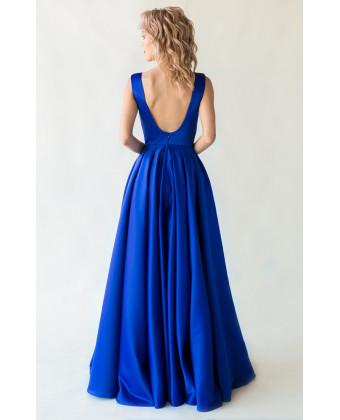 Синее вечернее платье с открытой спиной