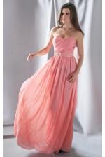Персиковое платье с декорированным пояском