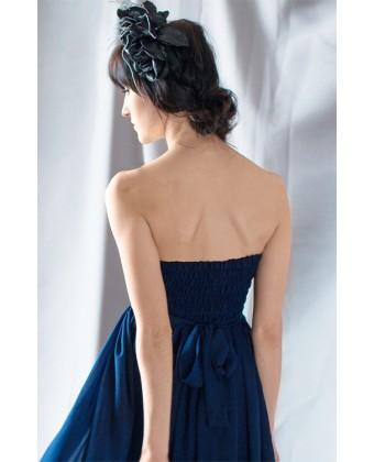 Темно-синее вечернее платье с камнями