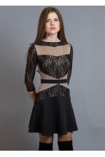 Трикотажное платье с кружевными вставками