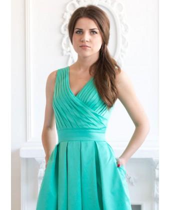 Длинное котоновое платье мятного цвета