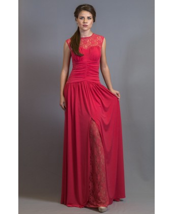 Коралловое платье с разрезом