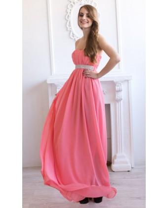 Персиковое платье с камнями под грудью
