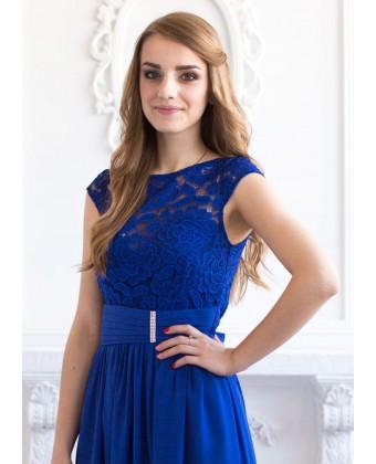 Платье с кружевом и широким поясом