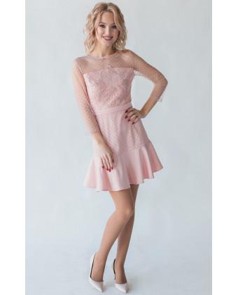 Пудровое коктейльное платье с вышивкой пайетками