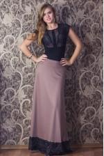 Длинная трикотажная юбка с кружевом