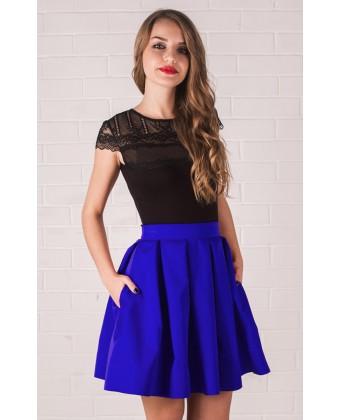 Короткая синяя юбка