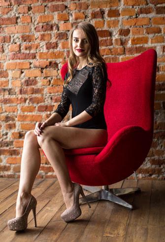 Фото женского боди с рукавом